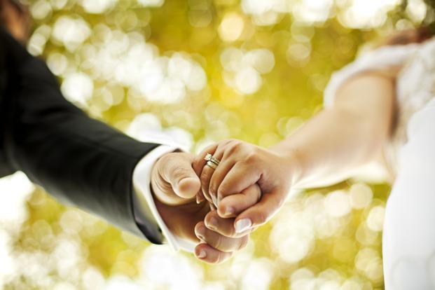 sitios web matrimoniales populares